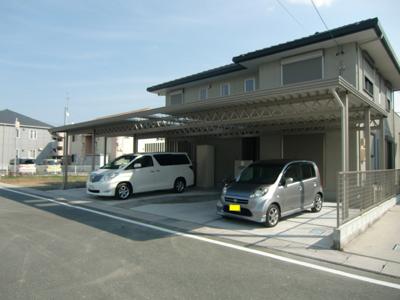 サンアイ岡本の折板カーポート